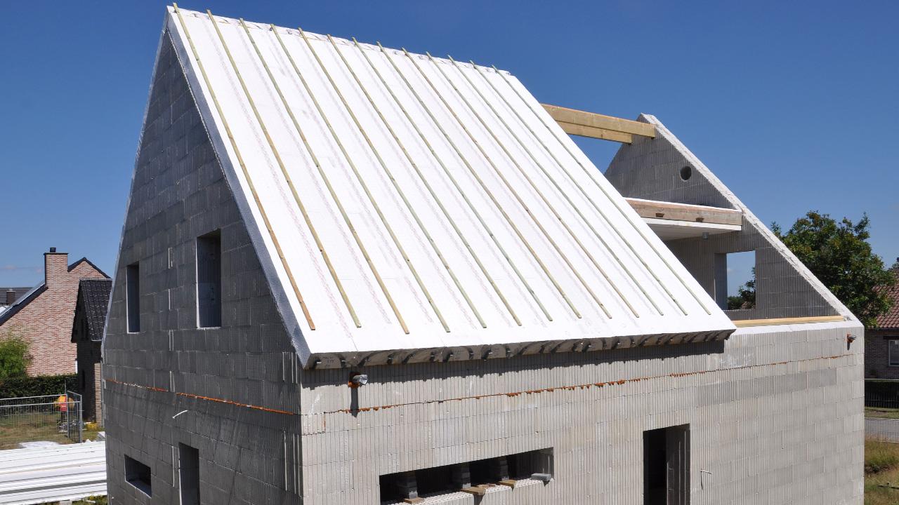 Euromac2 Dakelementen. Ontdek ons unieke Euromac2 ruwbouwsysteem van vloer-, wand- en dak elementen die leiden tot energie-neutraal bouwen aan een scherpe prijs.